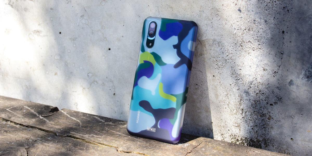 kavar-artwizz-camouflage-clip-lila